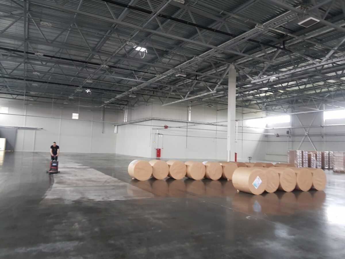 Генеральная уборка на складе «РосПакет»