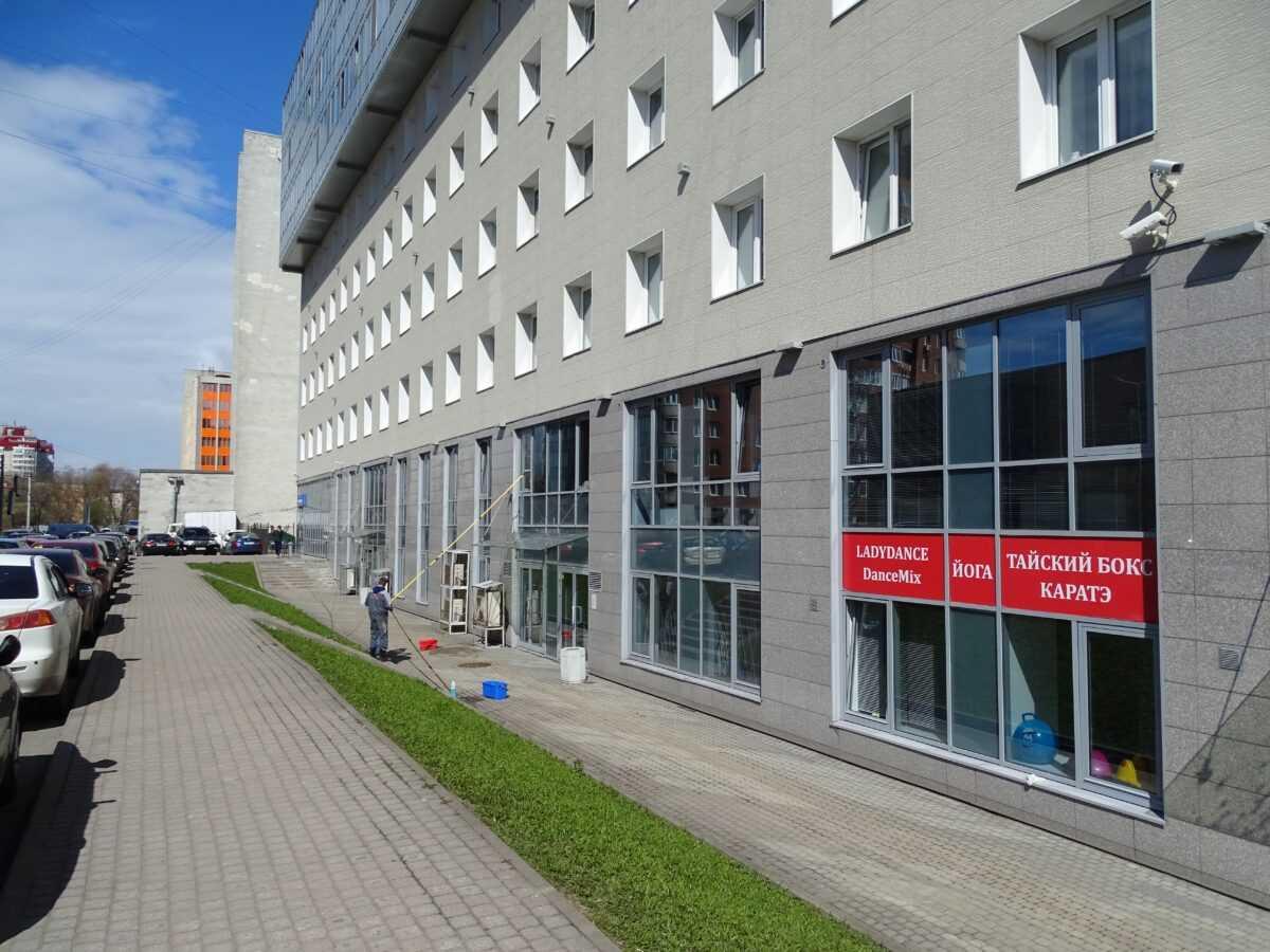 Мойка окон и фасадного остекления офиса «Транстех»